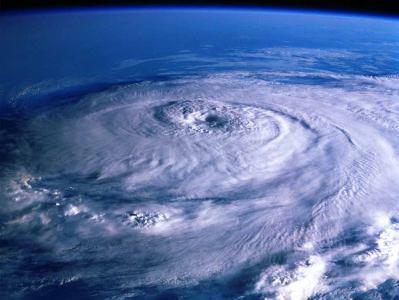 台風1号発生。